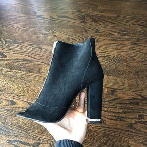 new look black gold heel zipper front Bootie 6